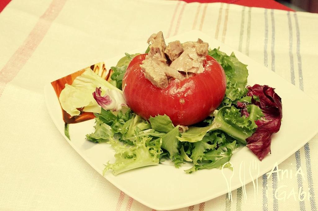 Dziadkowe pomidory nadziewane serem i tuńczykiem