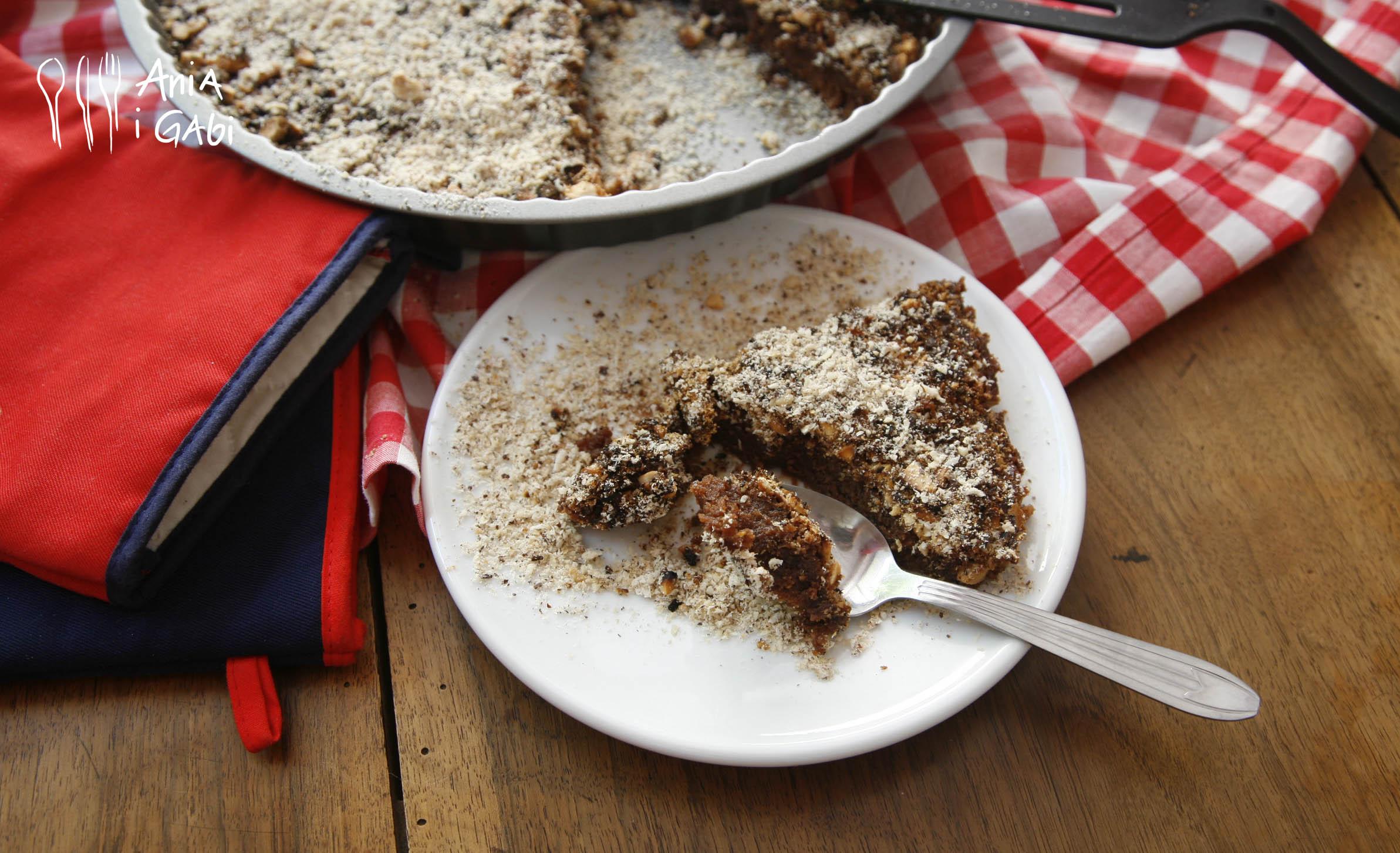 Słodka jak sto diabłów tarta czekoladowo-orzechowa