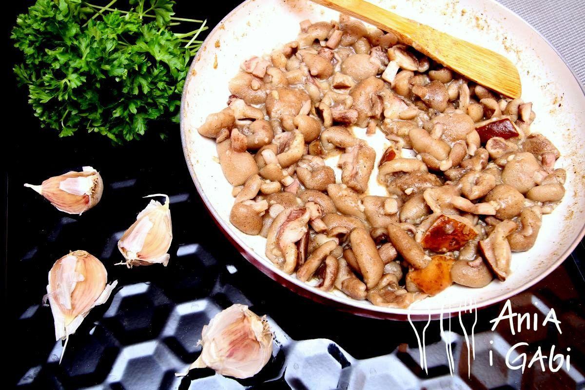 Tagliatelle z grzybami, śmietanką i natką pietruszki