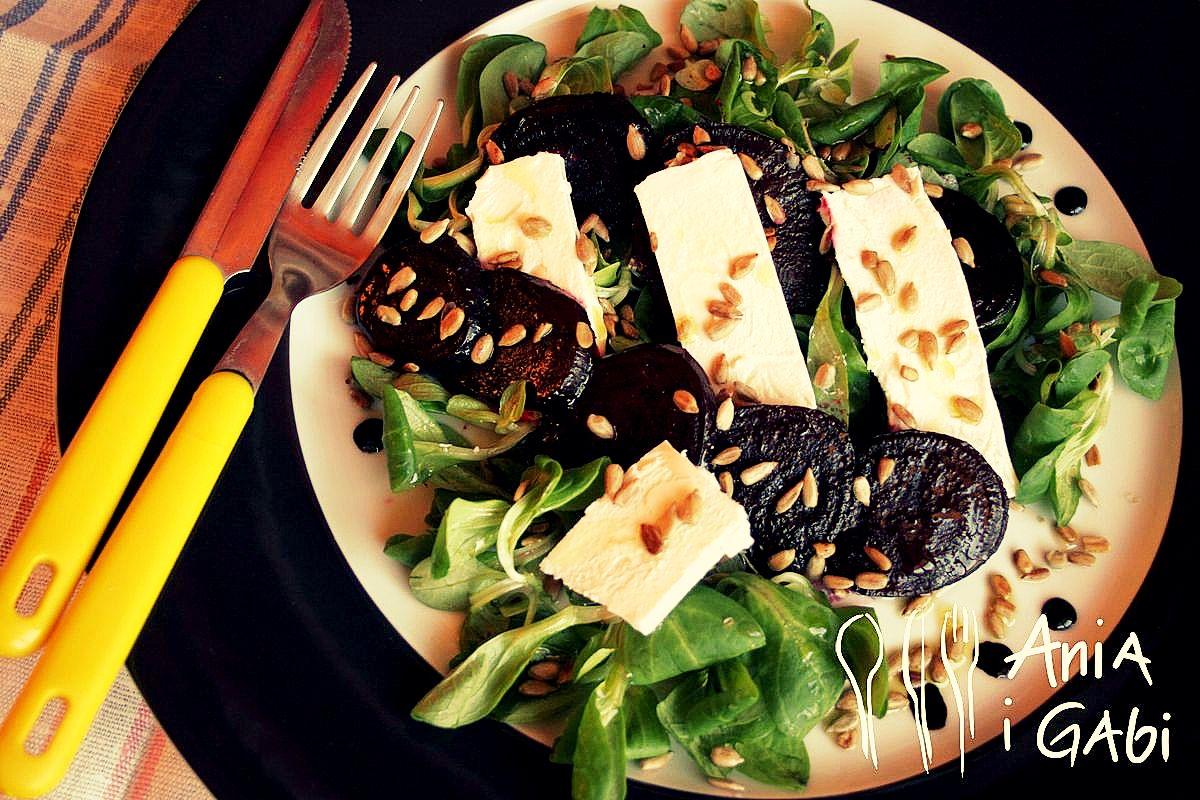 Karmelizowane buraczki z serem kozim