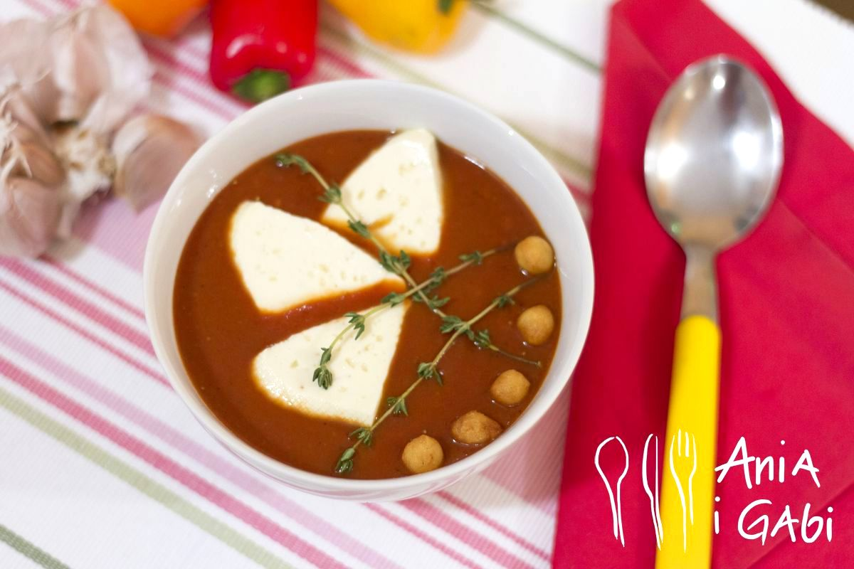 Krem z pomidorów z papryką i truskawkami- bossski!