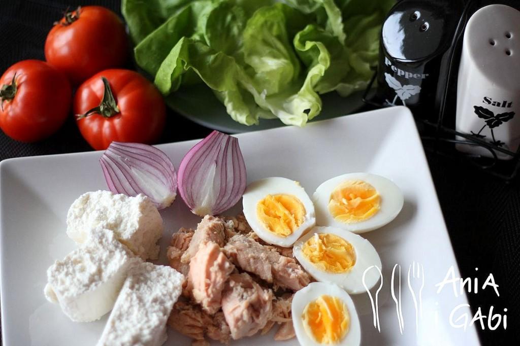 Naturalna pasta jajeczna z twarogiem i tuńczykiem